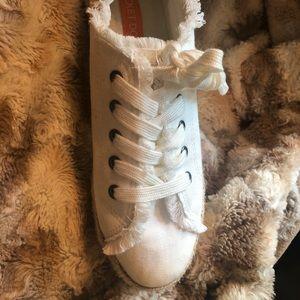 Rocket Dog Shoes - Rocket Dog espadrille sneakers.